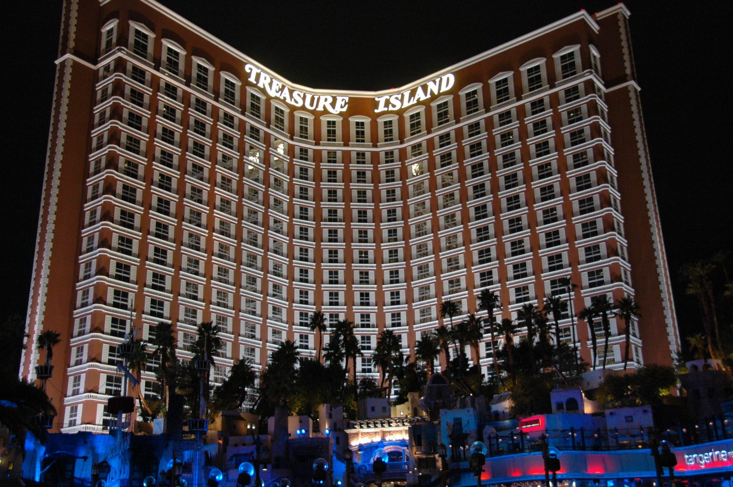 Treasure Island - Mid-Range Hotels To Stay In Las Vegas