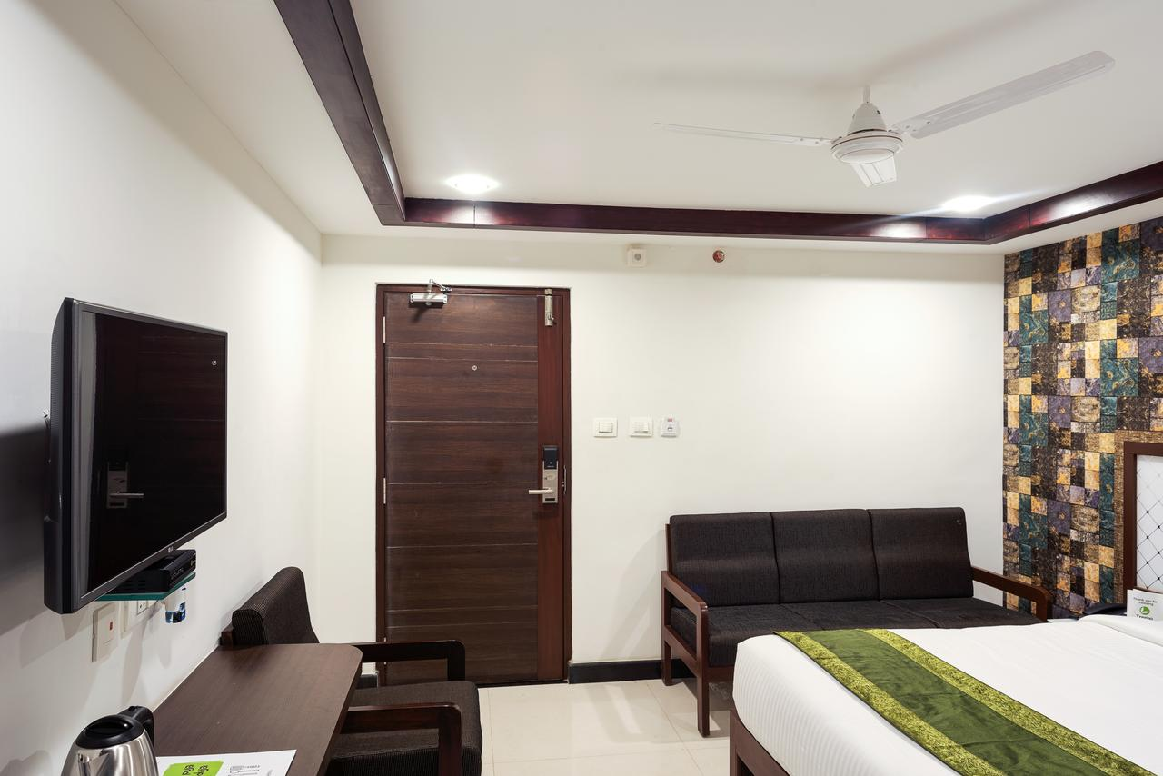 Nice Hotel to Stay Near Bhavani Islands-Treebo Empire