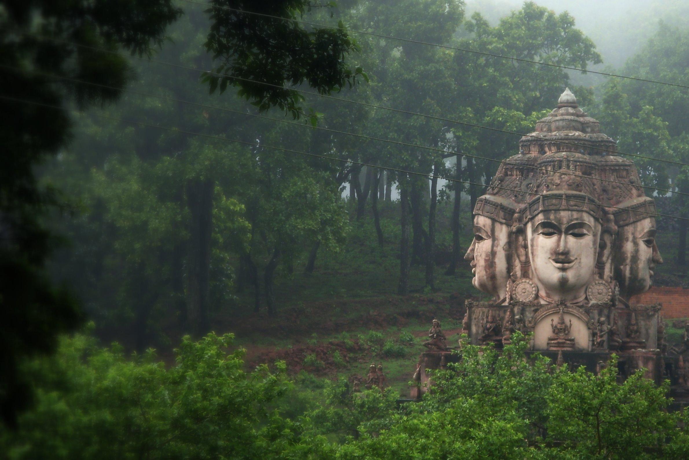 Amarkantak Amazing Place to Visit-Trimukhi Temple