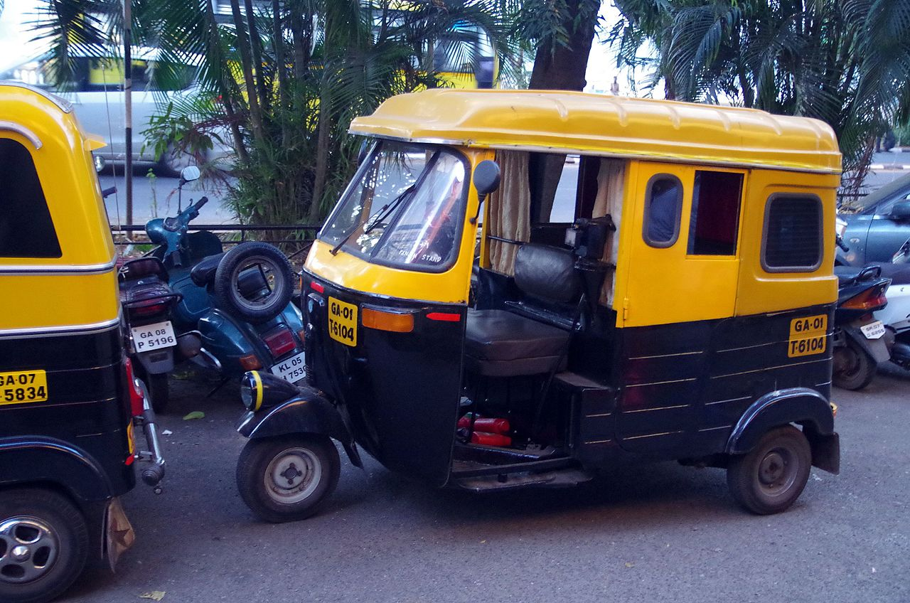 The Best Options to Get Around Goa - Tuk Tuks