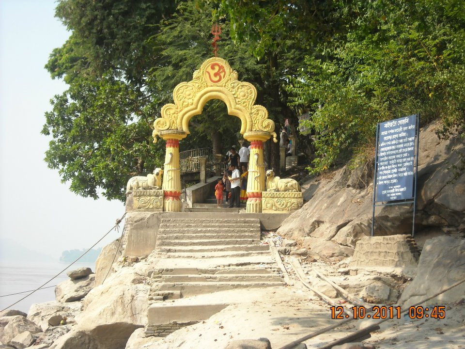 Best Place to Visit In and Around the Umananda Island-Umananda Temple