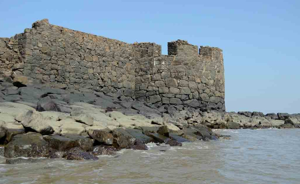 Underi Fort - The Twin Fort of Maharashtra