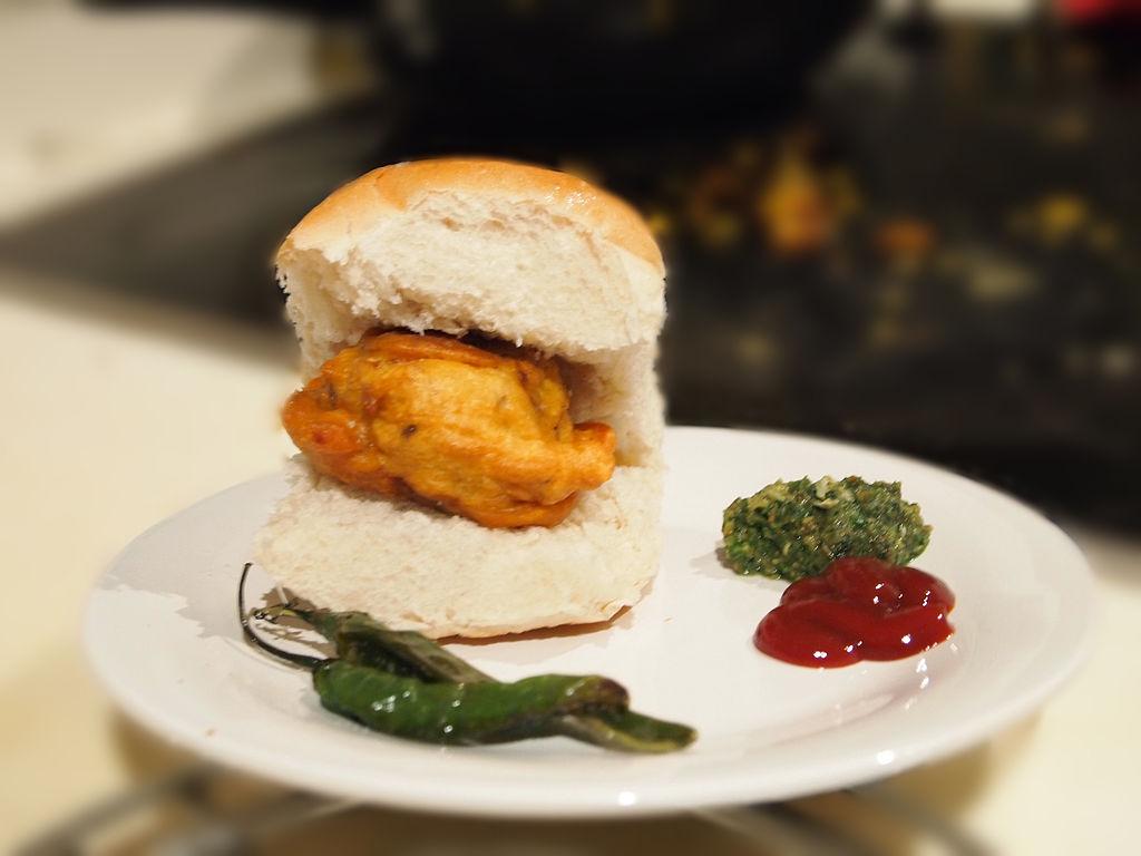 Vadapav - Top Dish In Pune That You Must Taste