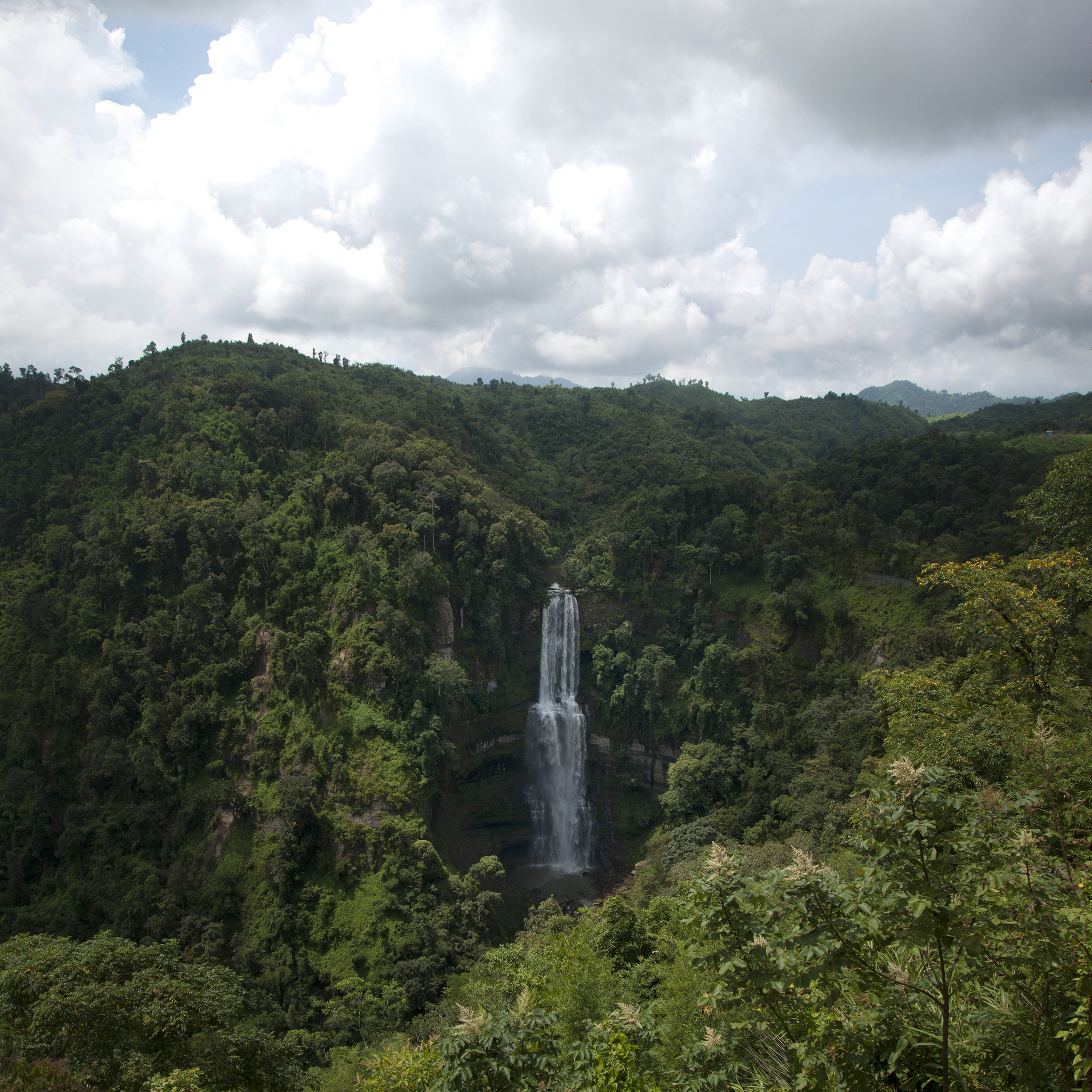 The Famous Tourist Places in Mizoram - Vantawng Fall