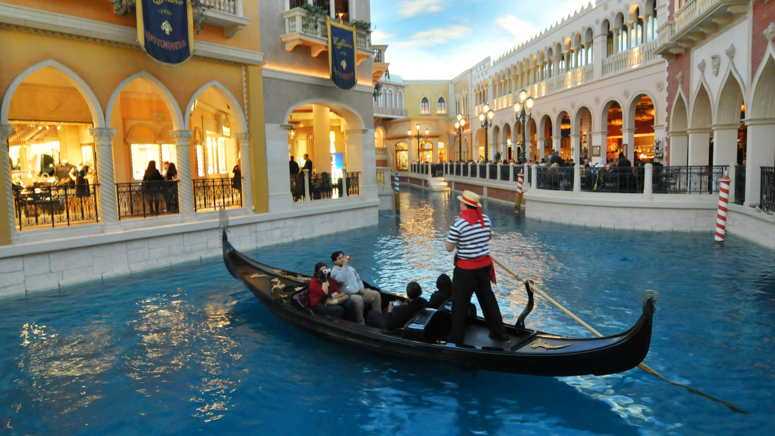 Venetian Hotel - Things That You Should Not Miss in Las Vegas