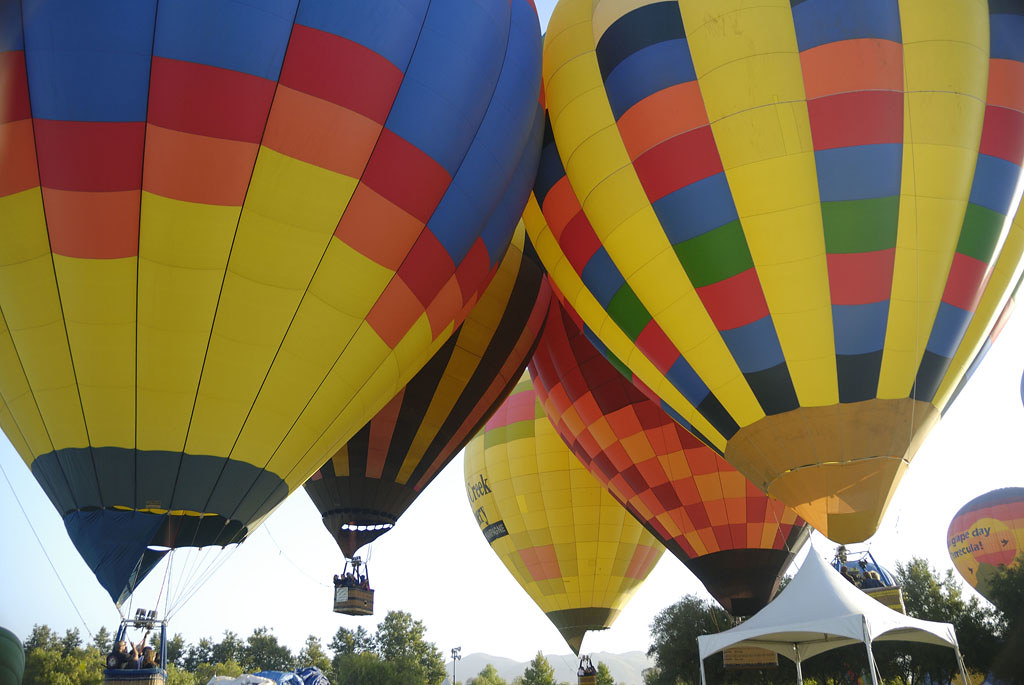 Most Amazing Things To Do In Temecula-View the Valley from Hot Air Balloons