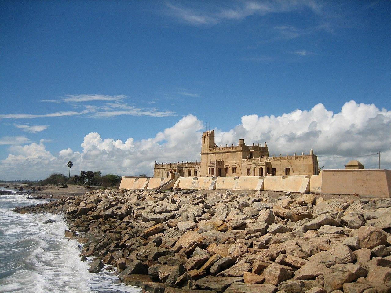 Popular Place to Visit NearManora Fort-Vijayanagar Fort