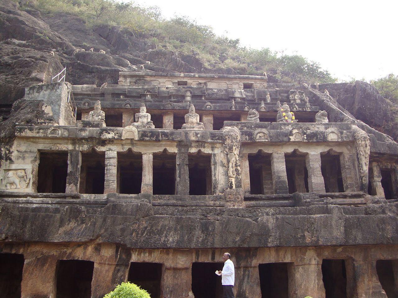 Amazing Place to Visit In Andhra Pradesh-Undavalli Caves, Vijayawada