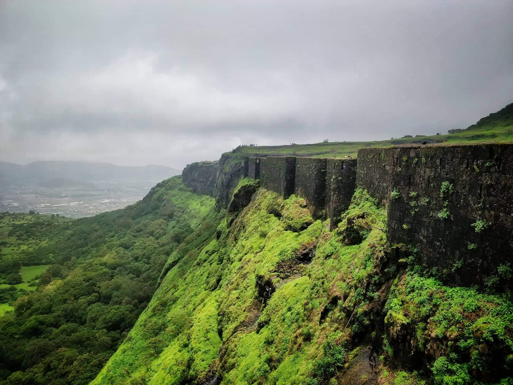Amazing Forts Within 100 Kms from Pune-Visapur Fort