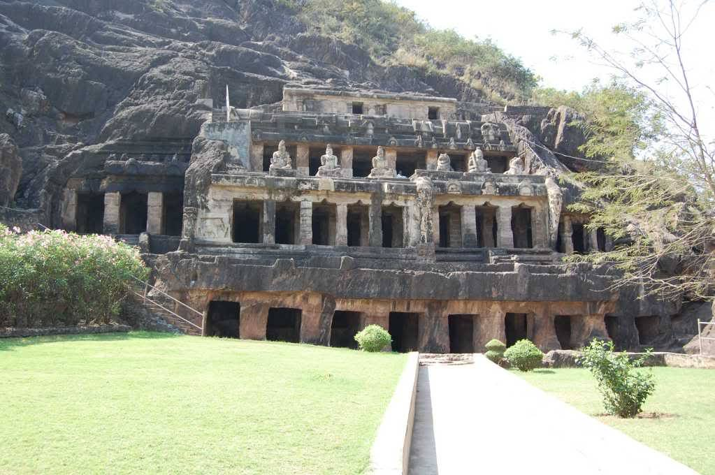 Visit Mogalarajapuram Caves