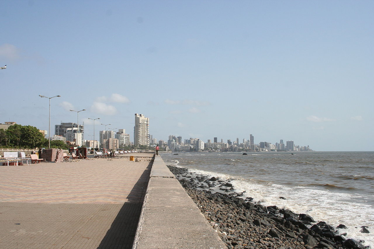 Visit Worli Seaface - Popular Place for Tourists