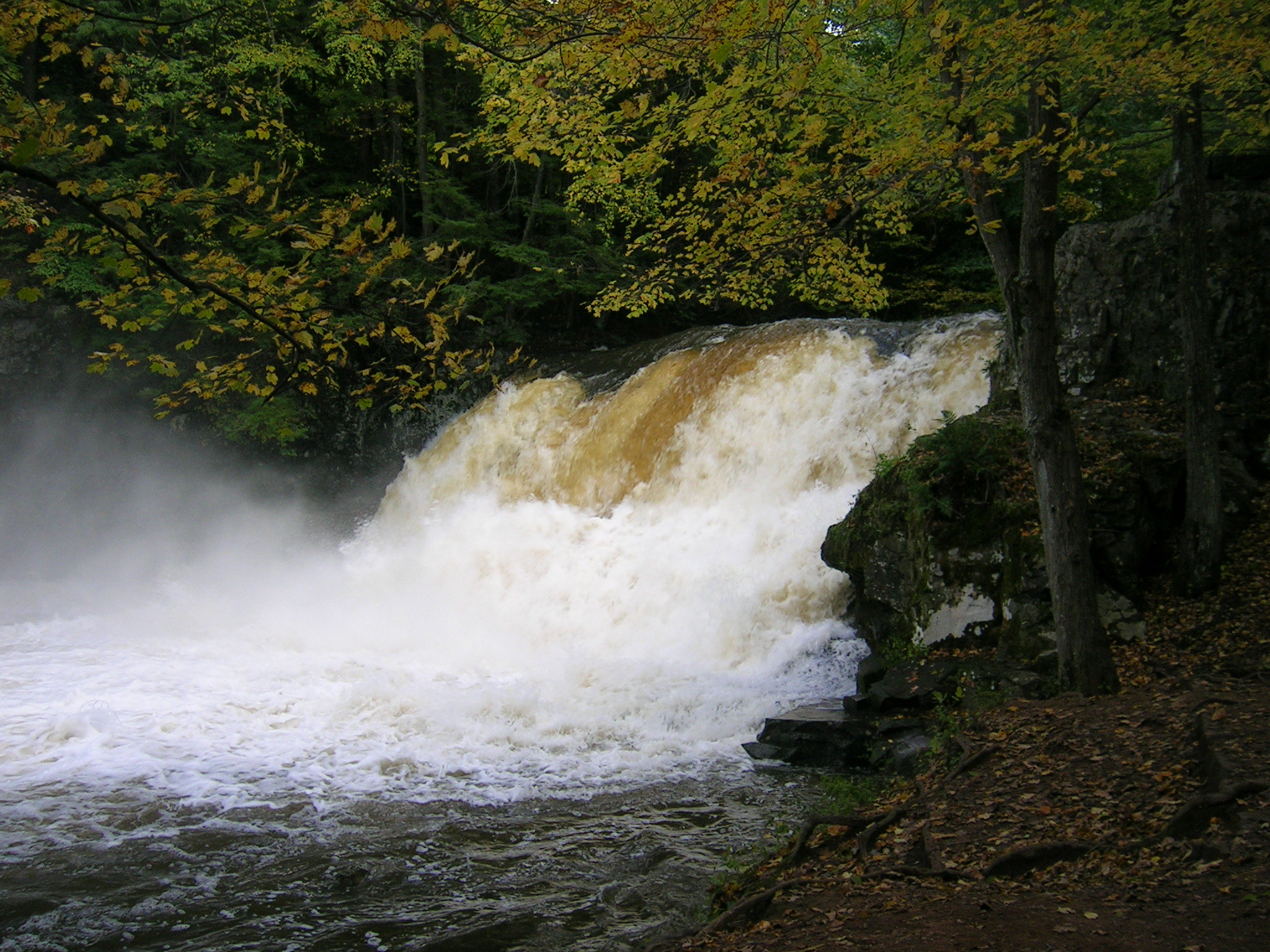 Must Visit Place In Connecticut-Wadsworth Falls State Park