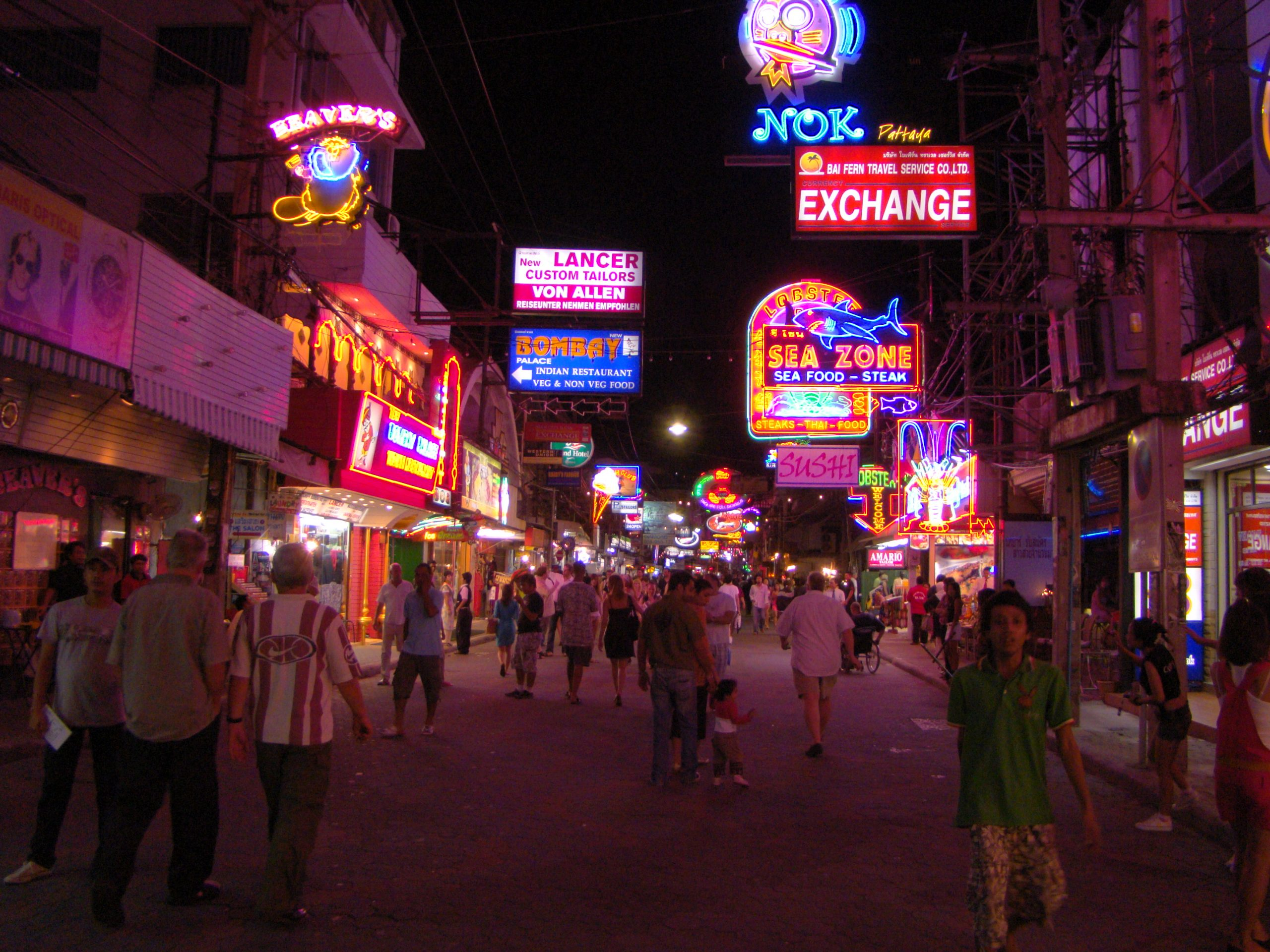 Best Place to Visit in Pattaya-Walking Street