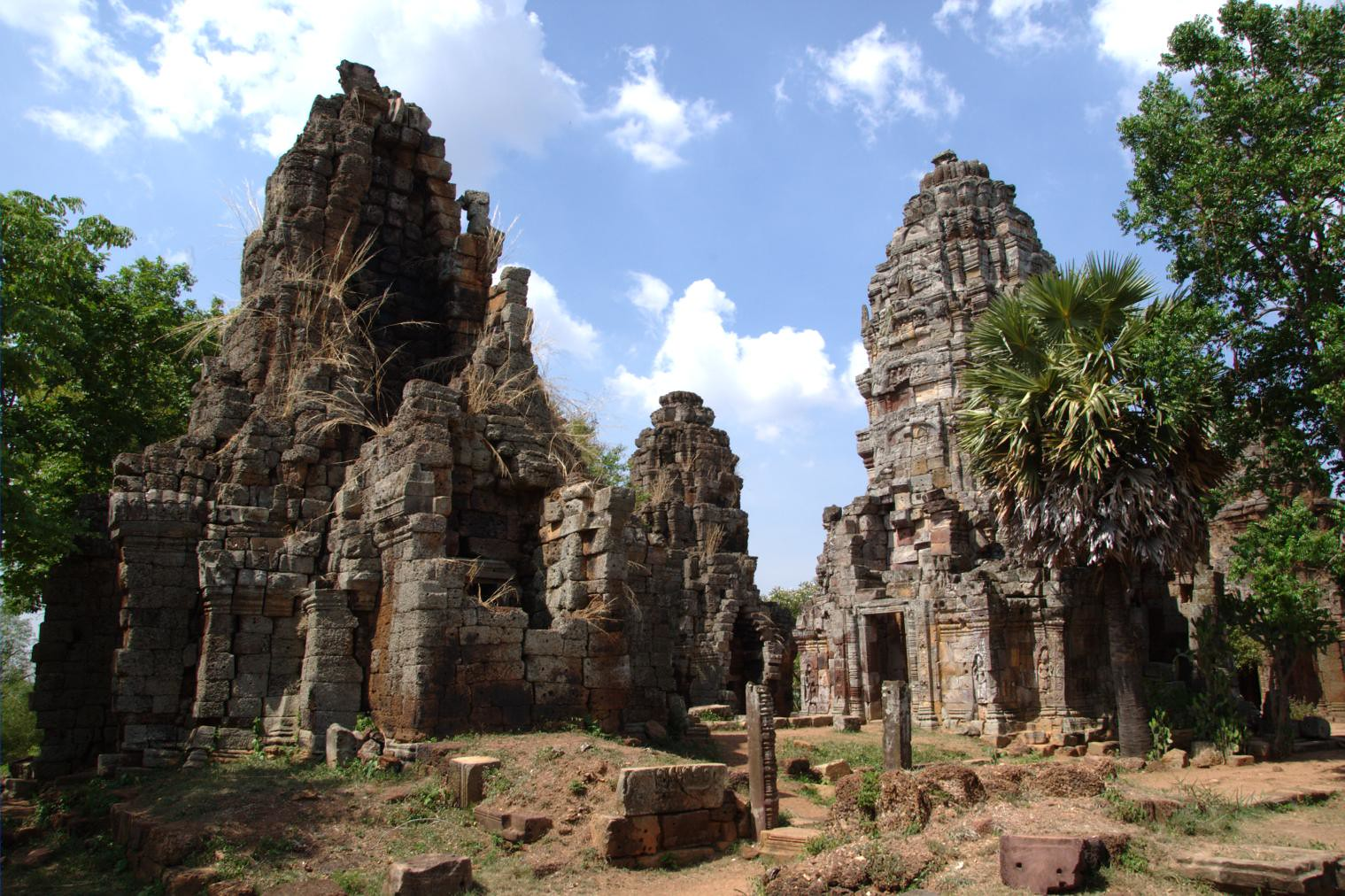 Top Weekend Getaways in Cambodia-Battambang, Wat Banan Temple