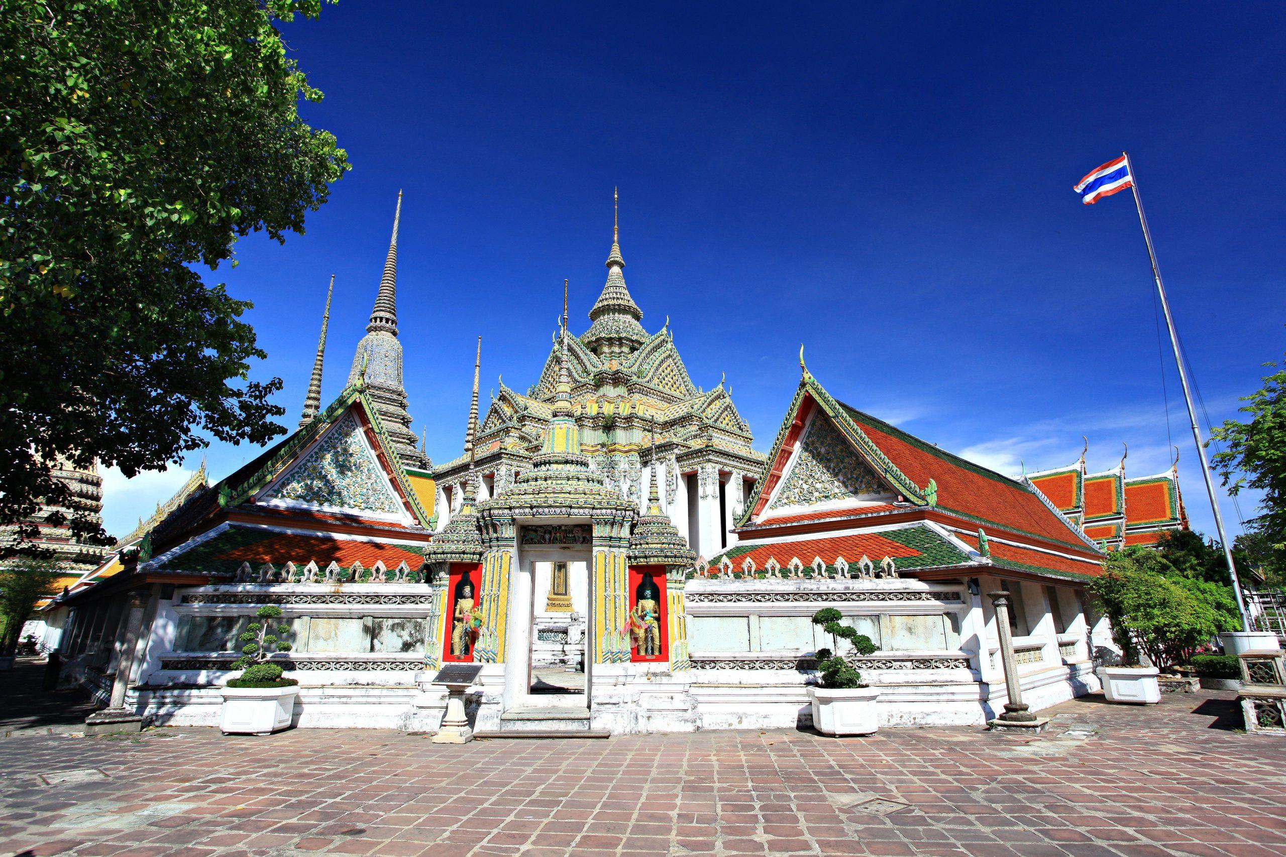 Best Place to Visit in Bangkok-Wat Pho