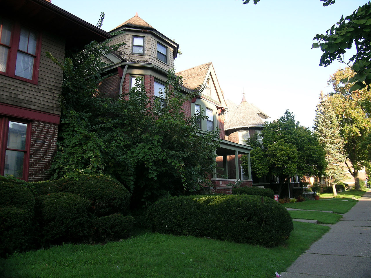 Attraction Area to Stay in Detroit-West Village