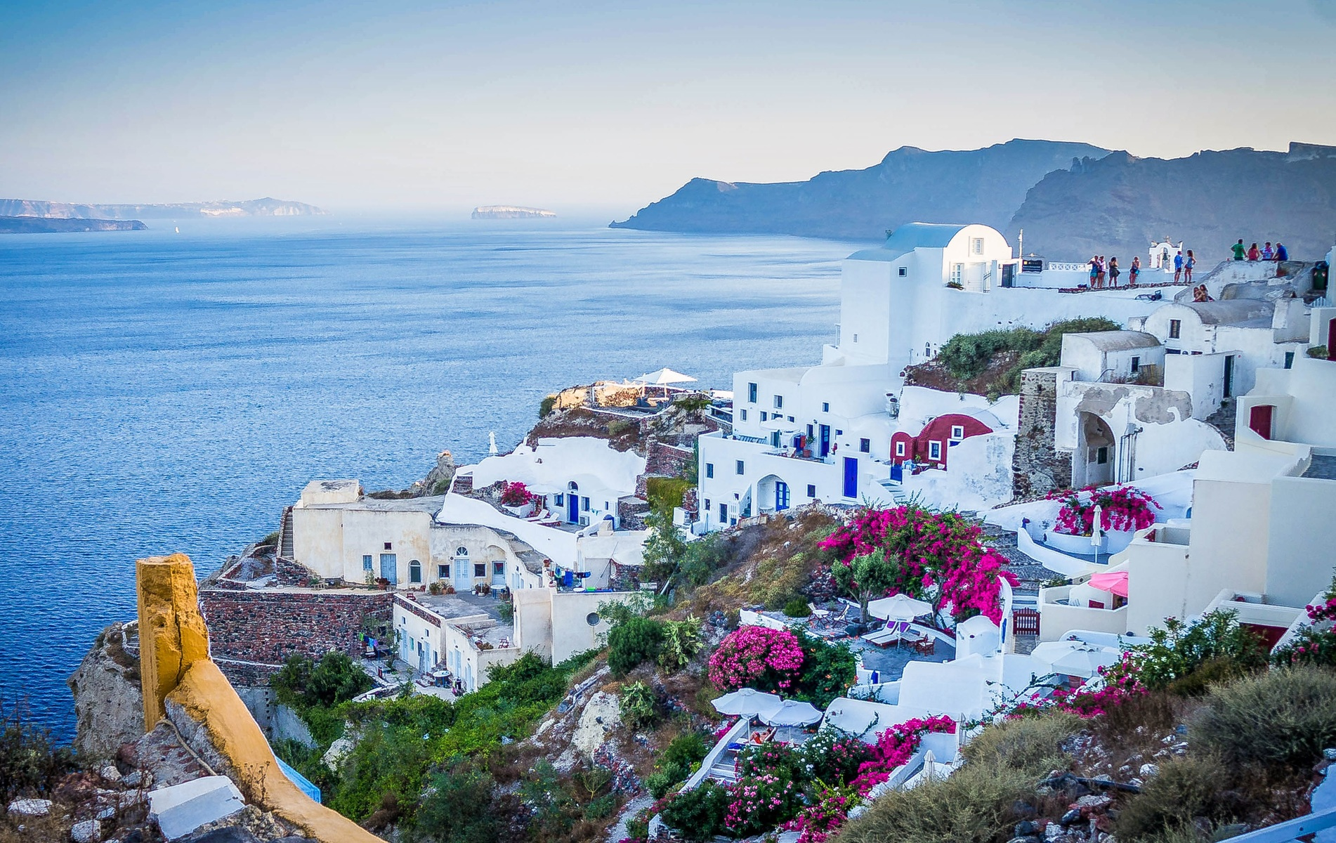 Greece Travel Guide-What Attracts People To Come To Greece?