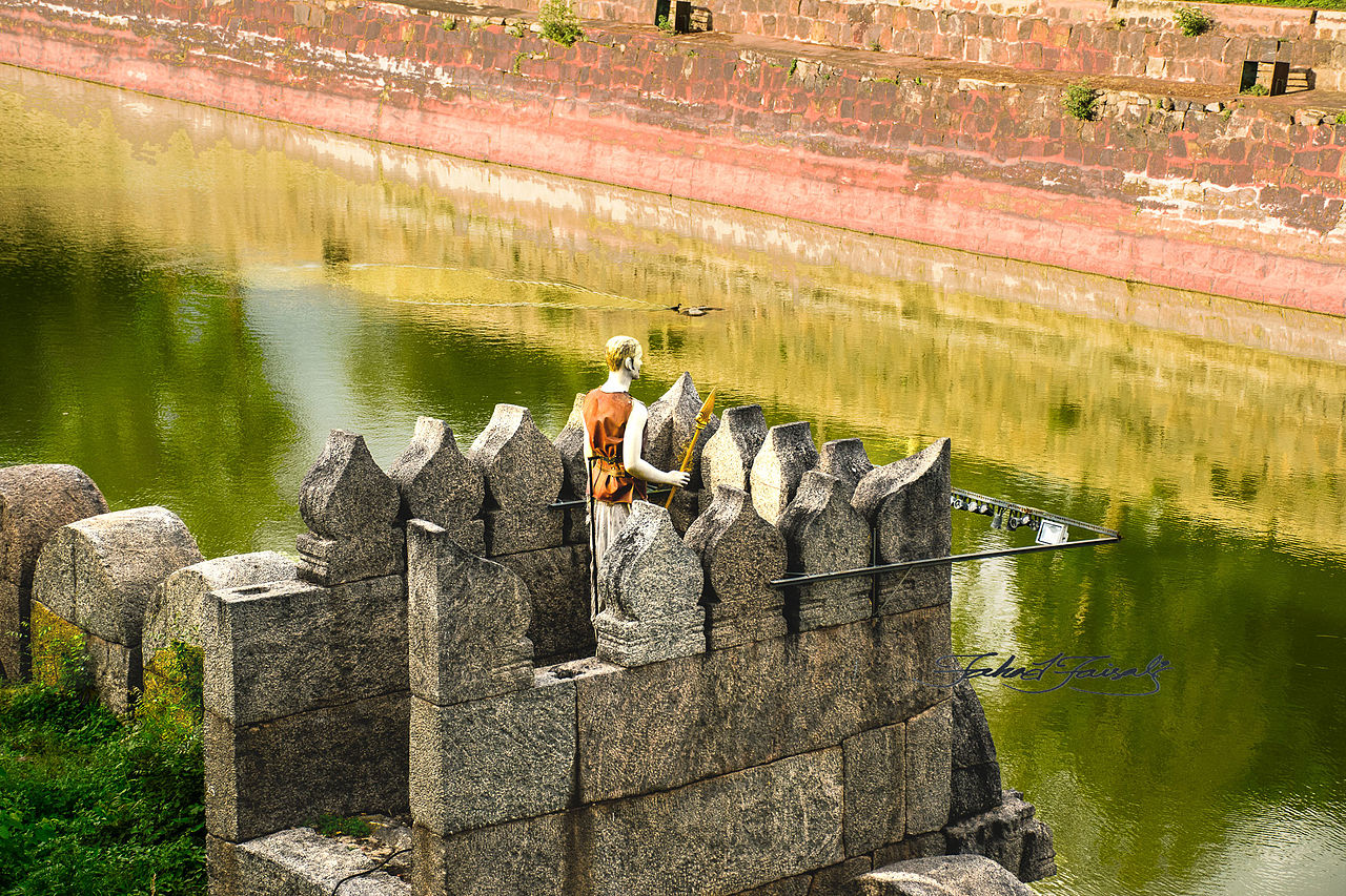 What Is The History Of The Vellore Fort?