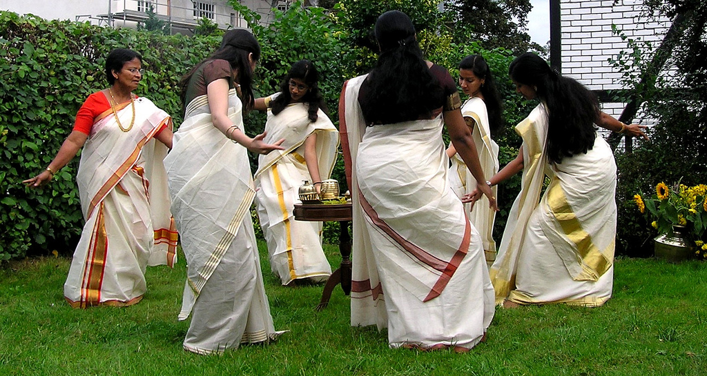 Traditional Dress of Kerala for Men & Women