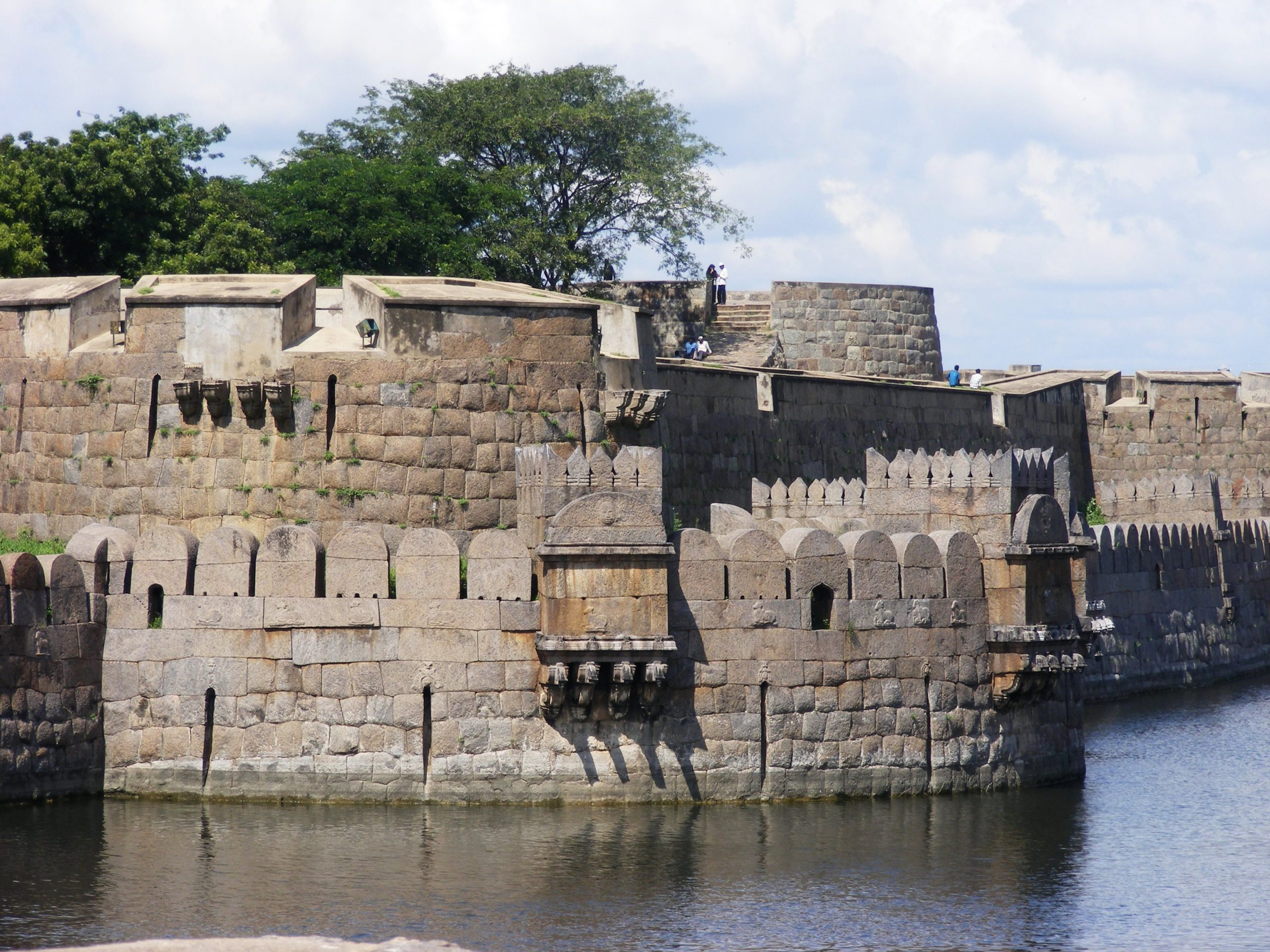 When Is The Best Time To Visit The Vellore Fort?