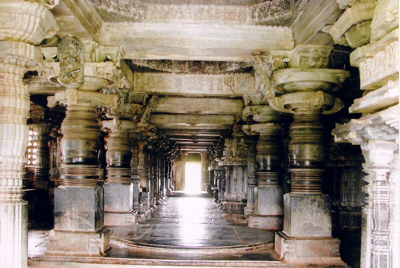 Why Should You Visit The Hoysaleshwara Temple In Halebid?