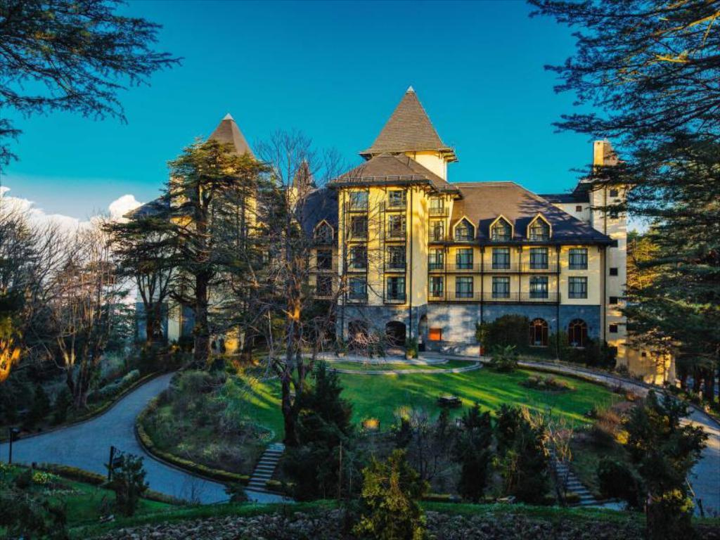 Wildflower Hall- Top Luxury Hotel in Shimla and Kufri