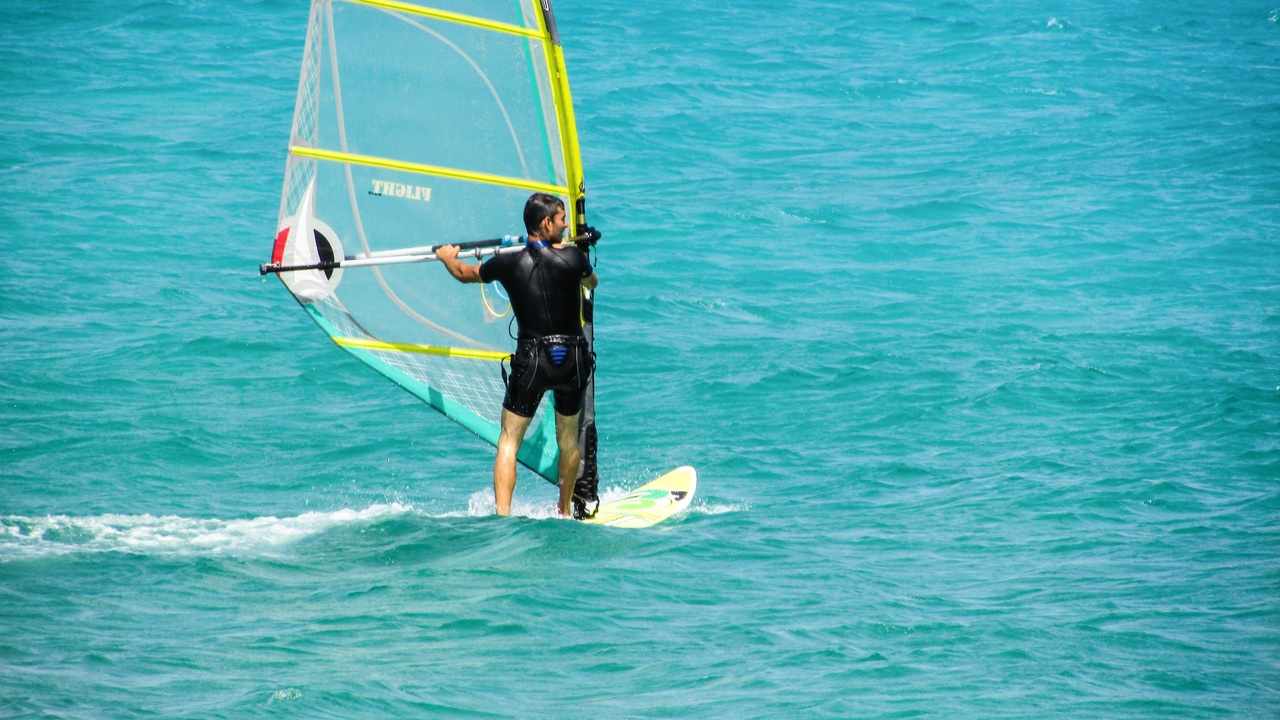 Top Adventurous Water Sports in Kerala-Windsurfing