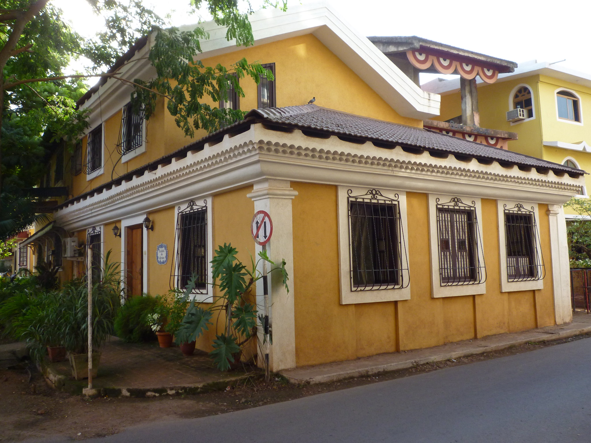 What to See and Do at the Fontainhas, Panaji - Witness Colorful Portuguese House
