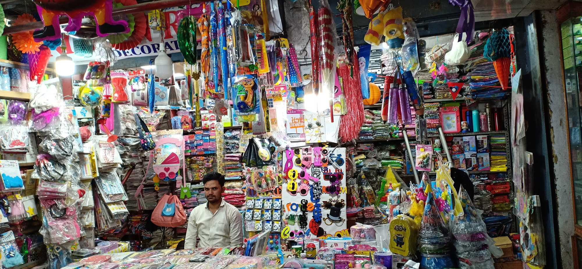 Yahiyaganj Market Best Place to Shop In Lucknow