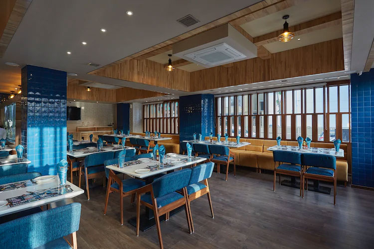 Visit Yanki Sizzlers Restaurant When In Ahmedabad