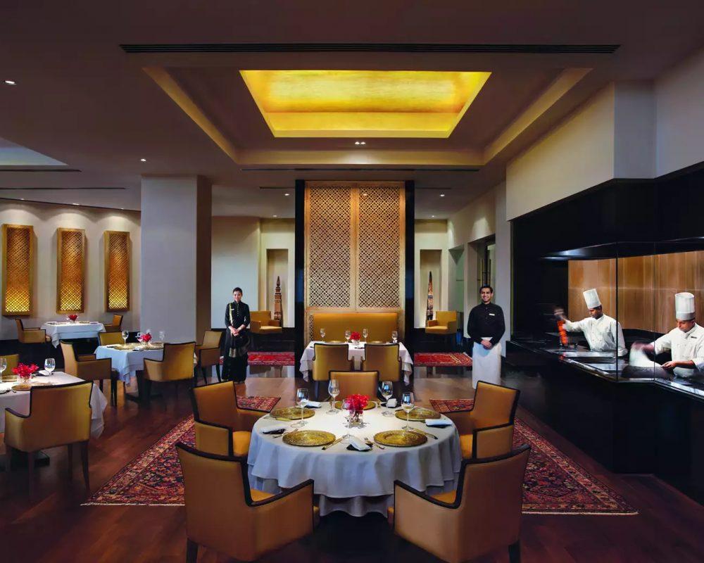 Must-Visit Restaurants to Try in Mumbai